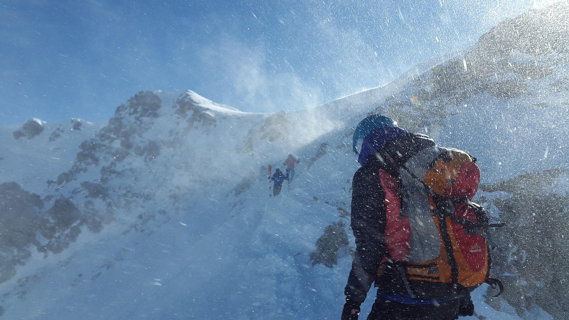 mountaineer-skiing